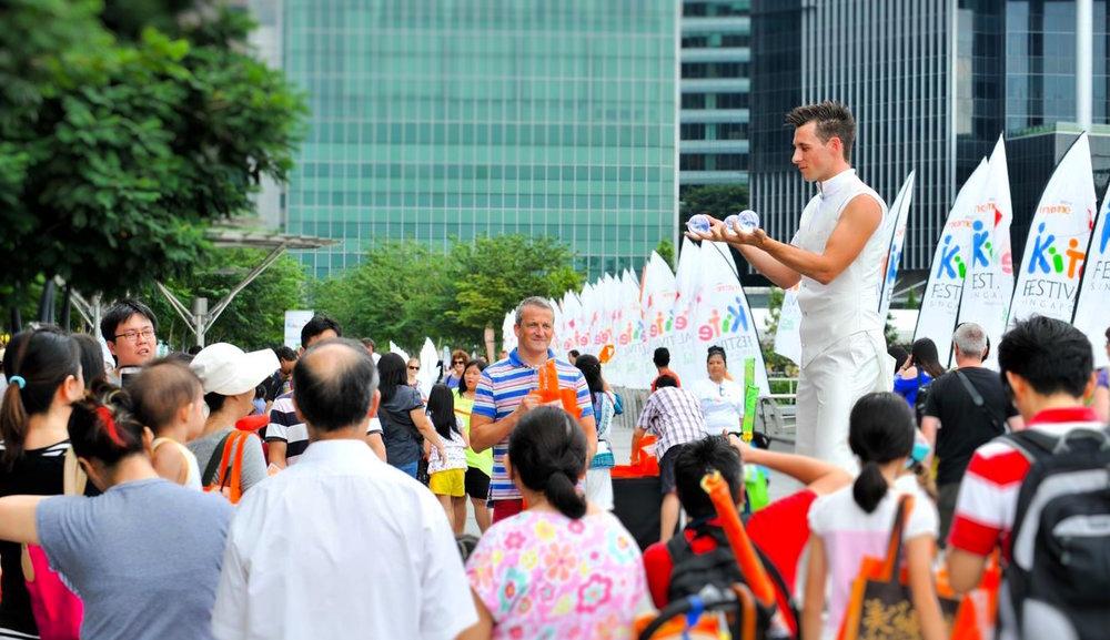 David Knox _ Contact Juggler - Singapore 3.jpg