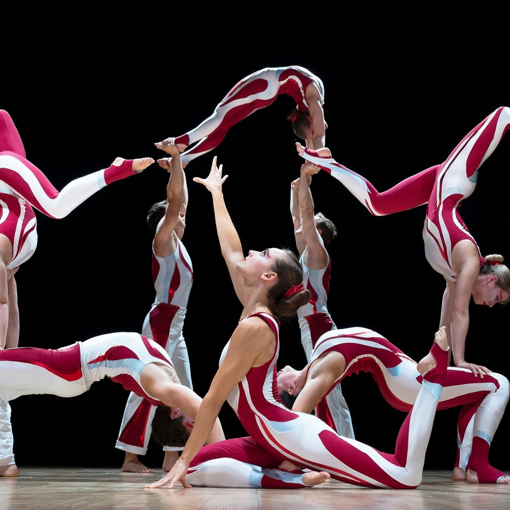 acrobatic troupe