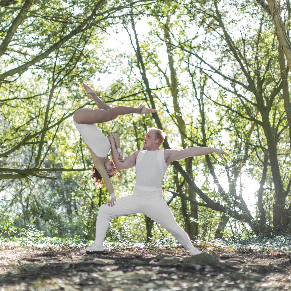 dance acrobats