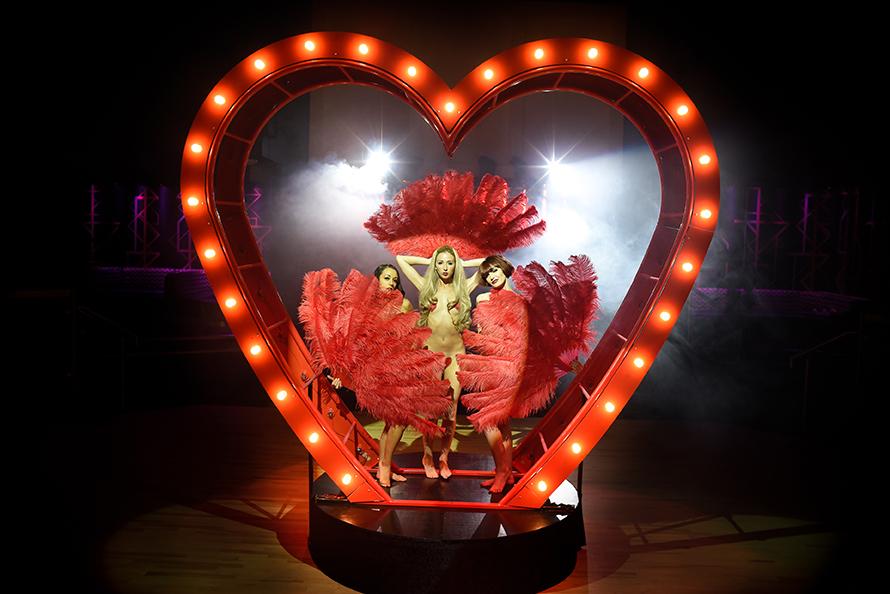 Aerial Heart Prop - Love Burlesque 3 LR.jpg