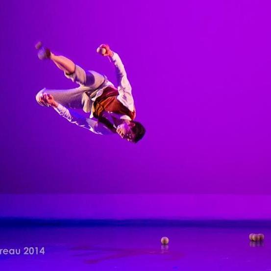 juggling acrobat