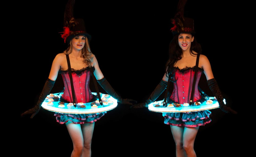 LED-Roaming-Table---Moulin-Rouge.jpg