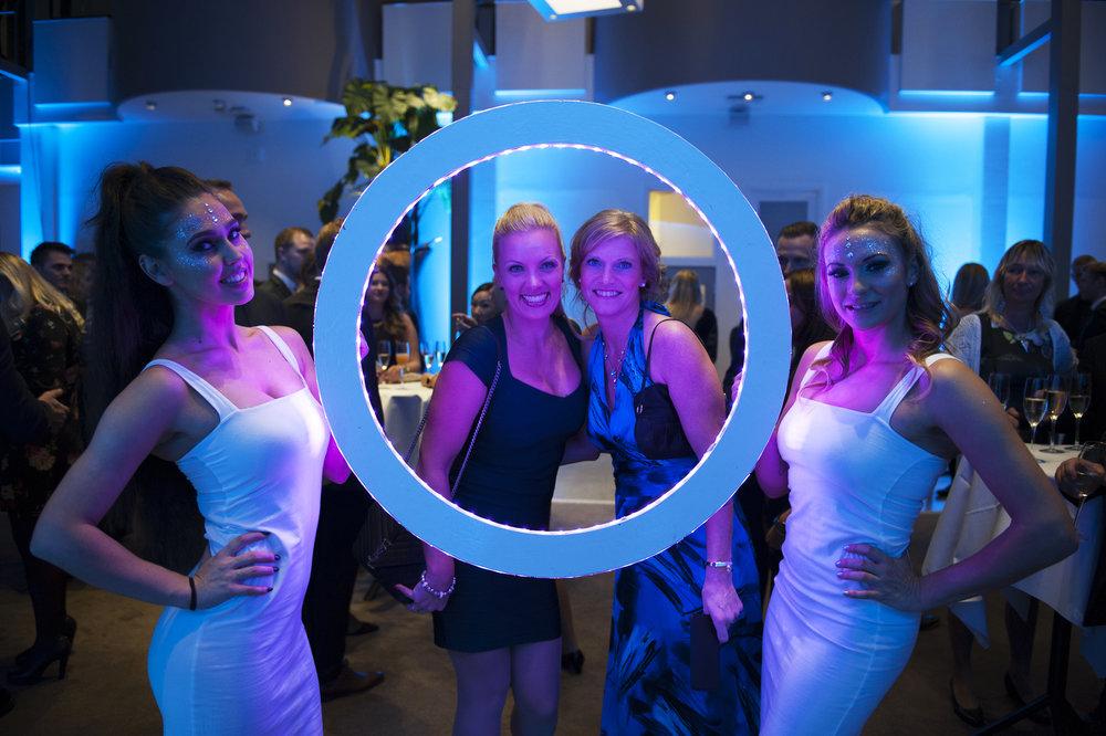 LED Photo Frame - Circle 20.jpg
