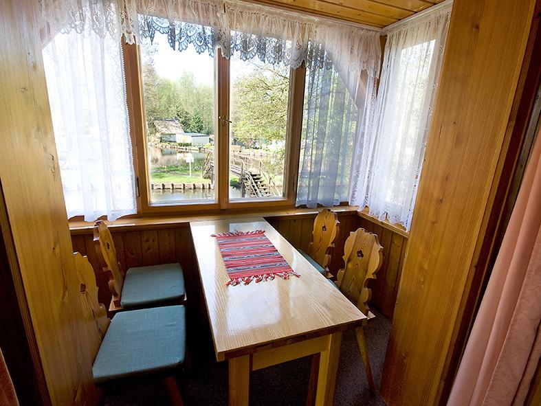 Bootshaus Kaupen Sitzplatz im Erkner