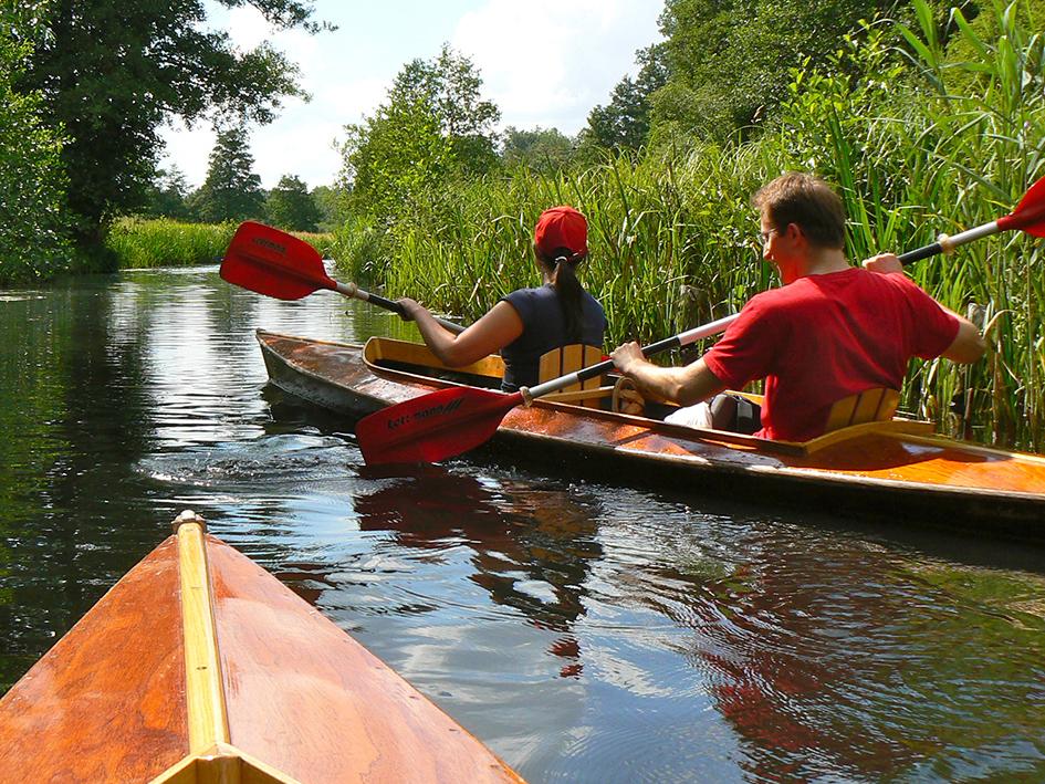 einmalig bei uns im Spreewald: Boote mit Holzverdeck!