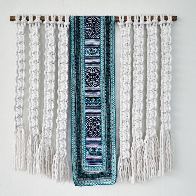 Macrame wallhanging by Ranran Design