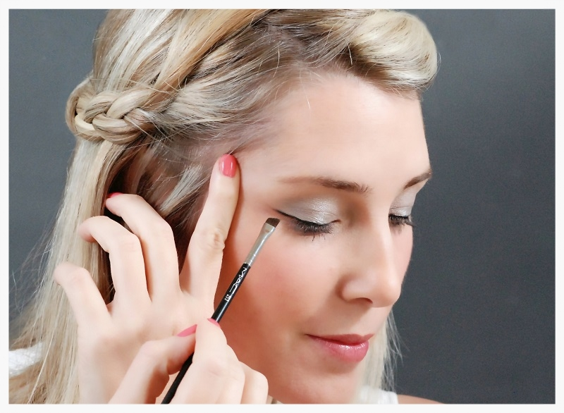 Line the upper lashes with eyeliner