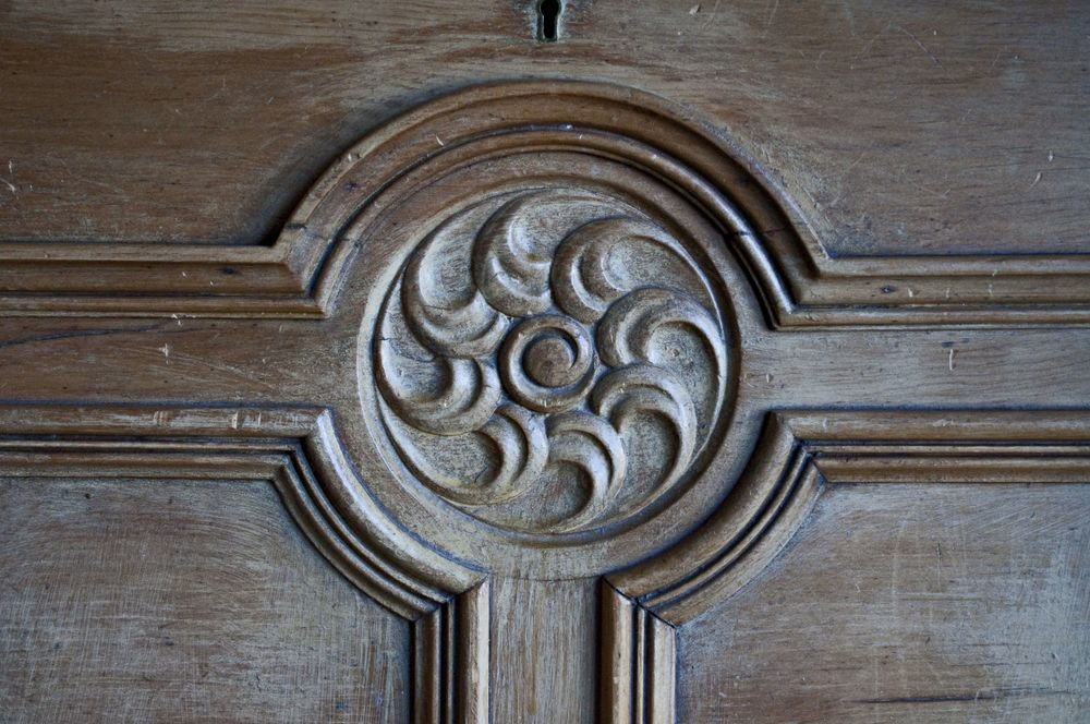 A Briarcourt bureau motif - borrowed from a Jacobean hall?