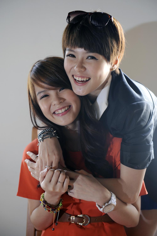 Jayley and Hayley Woo