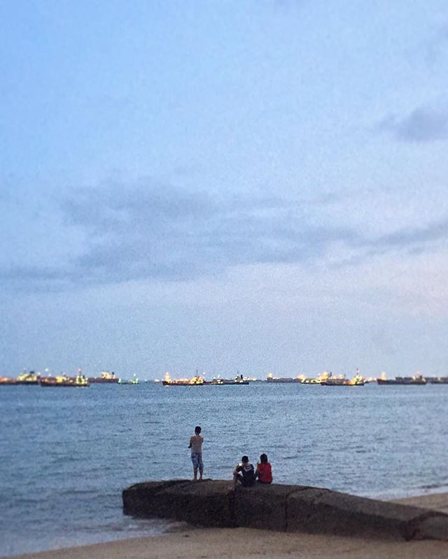 #eastcoastpark #beach #sea #seaside #blue #horizon #evening #sky #clouds #scenery #yoursingapore #igsg #sgig #sgiger #singapore #instasg #instagood #instadaily #instastreet #street #streetphoto #streetphotography #wearethestreet #sgvsco #vsco #vscocam #vscophile #iphoneonly #everydayasia