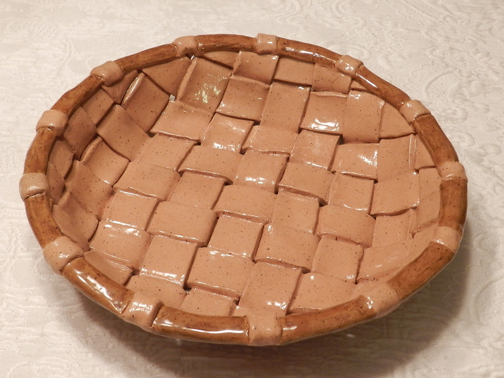 Pottery basket tray