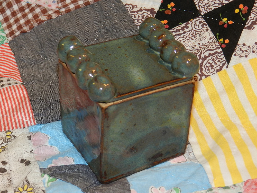 Soft Green box with lid