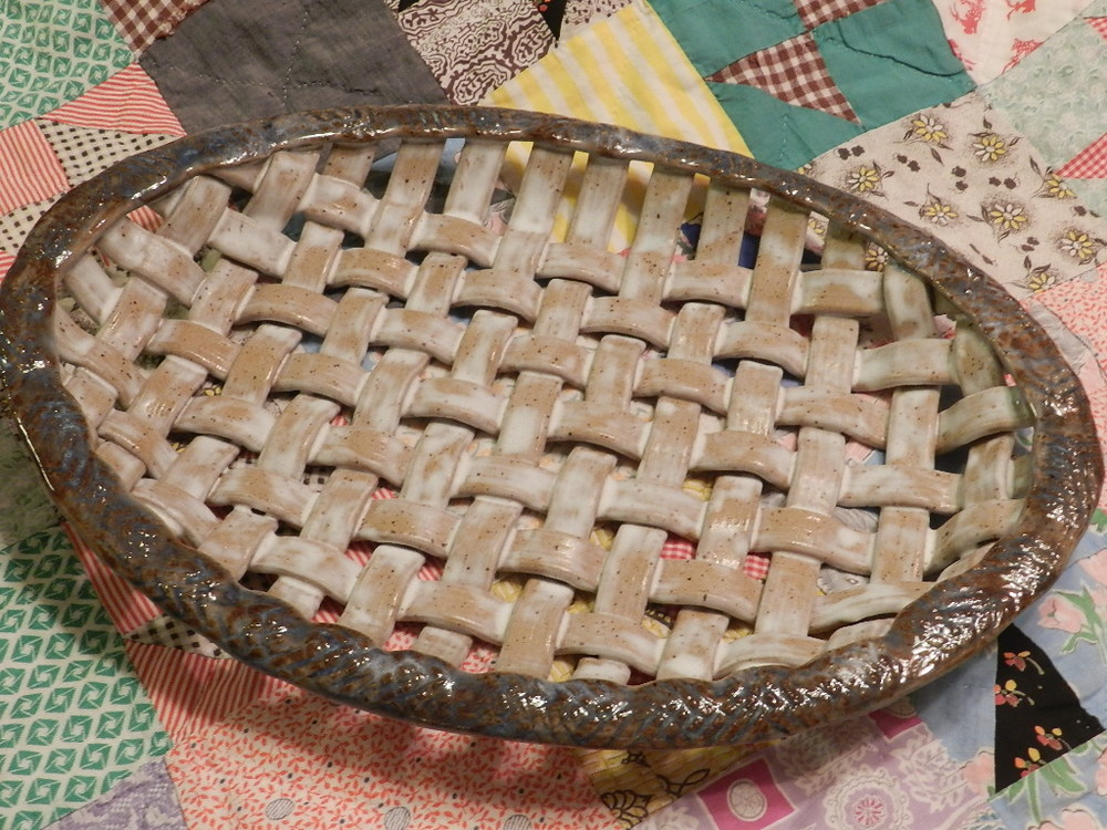 Pottery basket weave tray