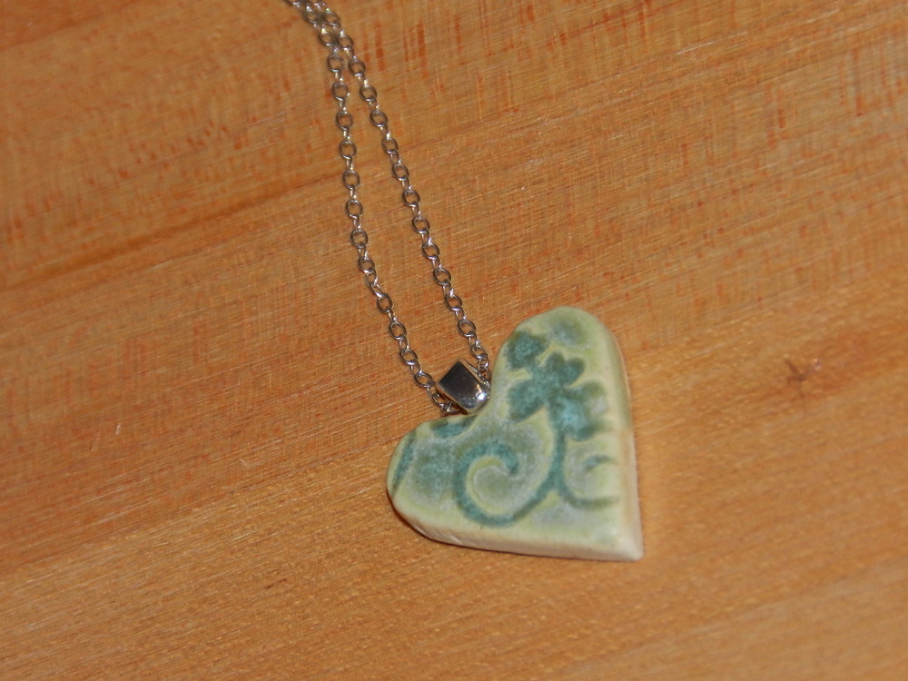 Pendant-Green swirled heart