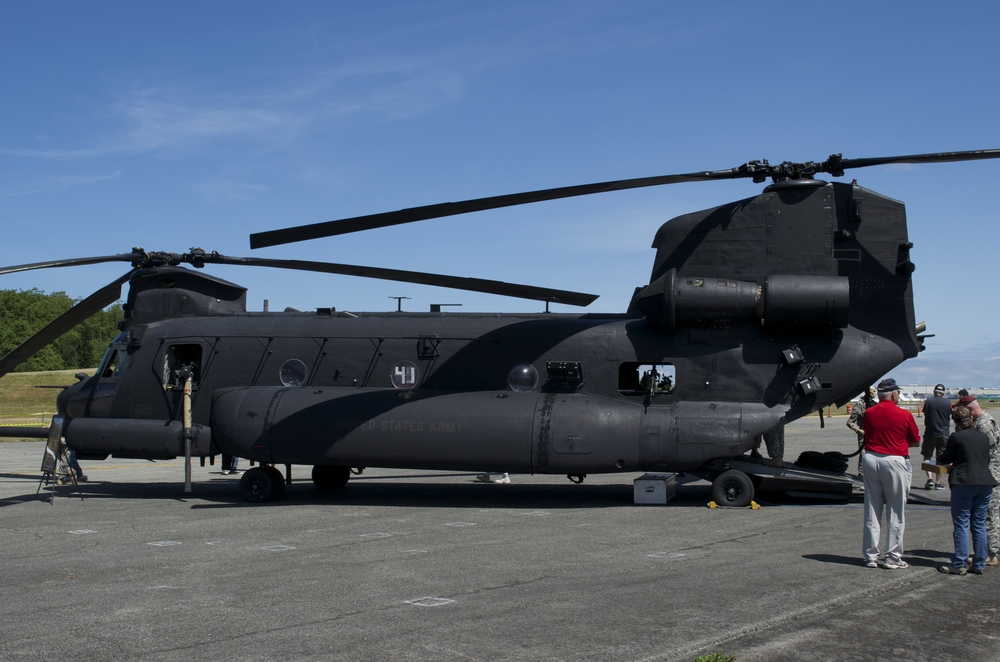 The Rangers' Chinook:  each rotor blade is about 2 1/2 feet in width.