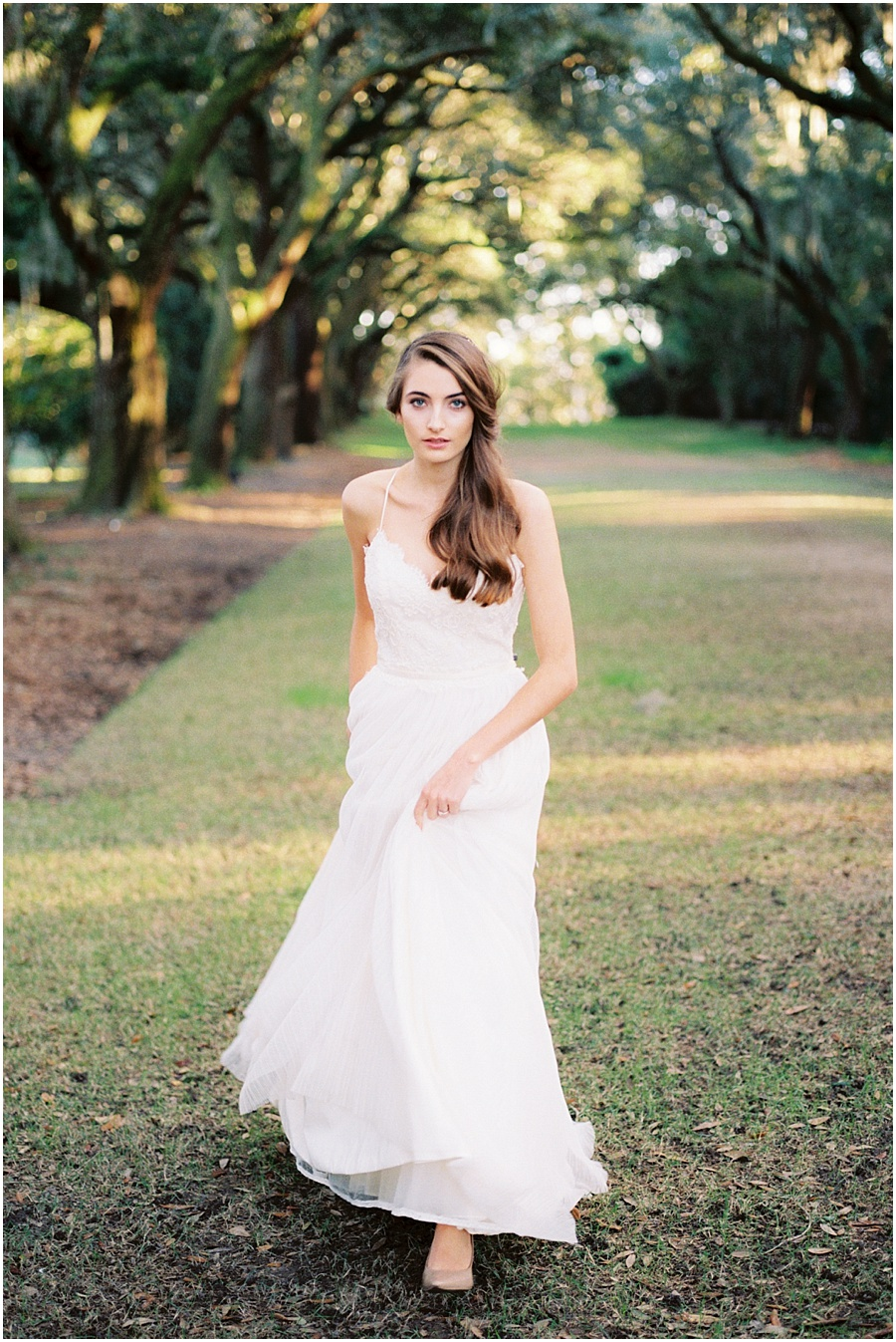Charleston styled shoot collaboration with Heather Rowland Photography and Lindsey Zamora.