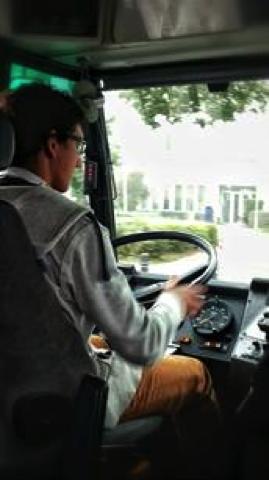 Luuk Blom achter het stuur