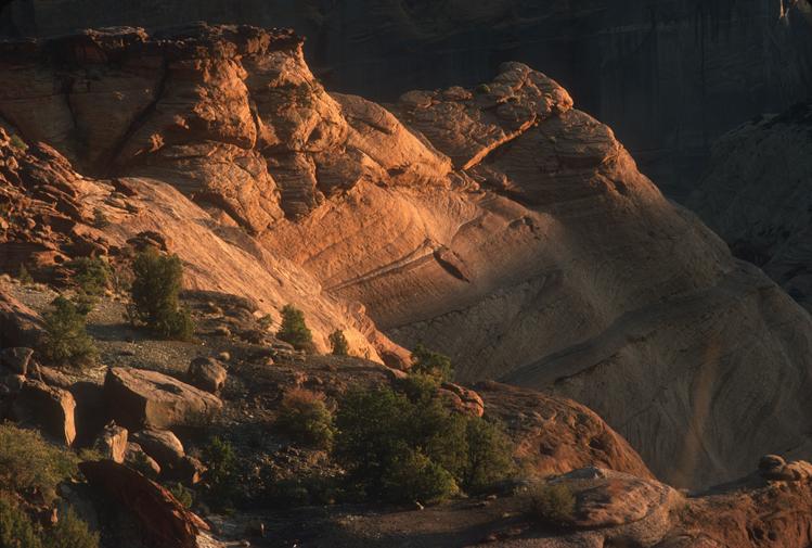 western rocks canyon de chelly.jpg