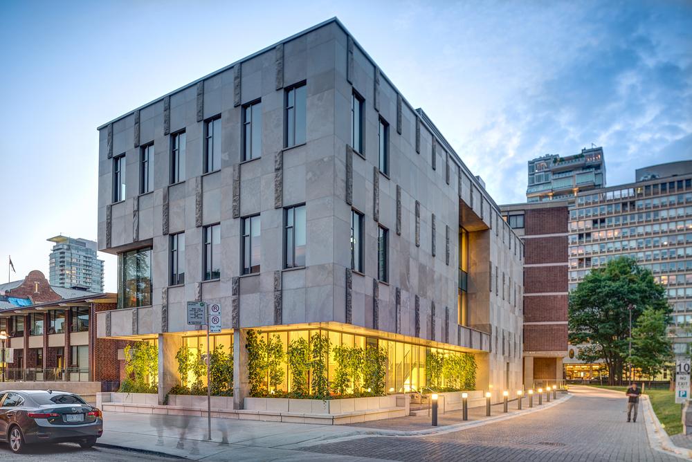 Goldring student center by Moriyama & Teshima — révelateur studio