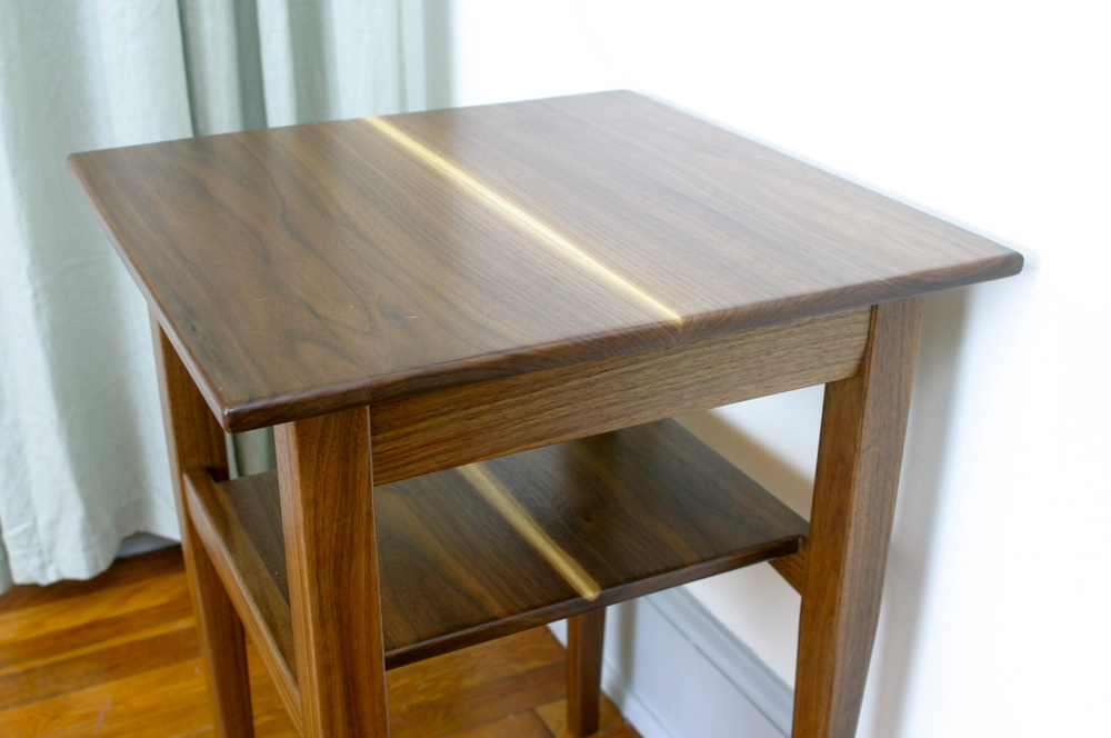 Exceptionnel Walnut Side Table