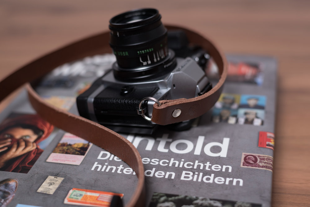 ©2017 MakeMoves Photography | No Pretension-Vintage-Style-Premium-Brown-Leather-Camera-Strap-Lifestyle-Kreis-Kaiserslautern-Germany-Deutschland-Maryland-USA-Amazon-ASIN-B015Q9488Y