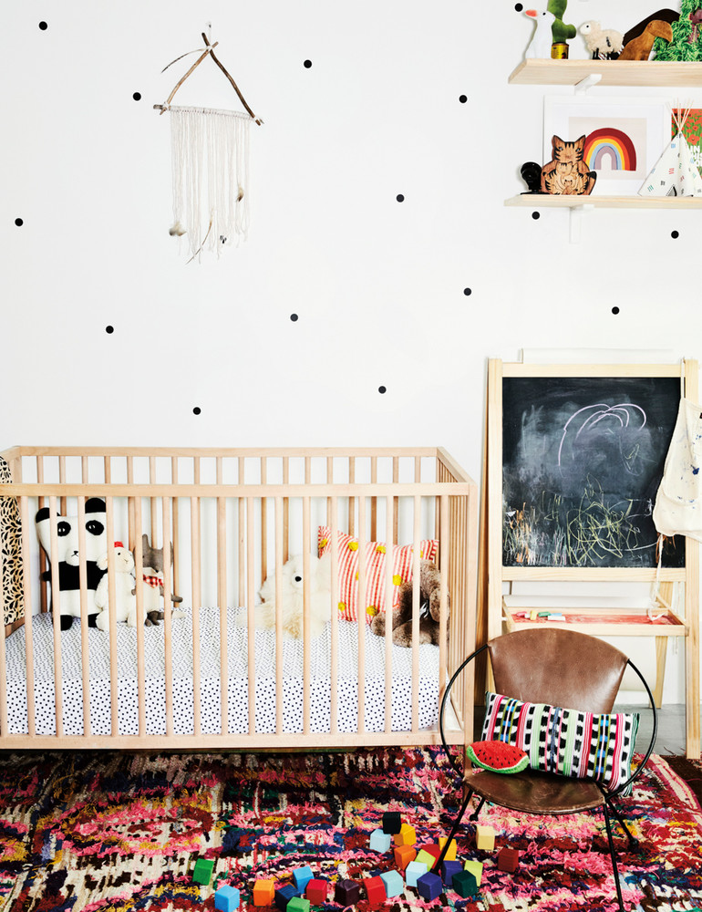 madewell-s-lead-designer-brings-the-cool-girl-look-home-white-nursery-59d2673ed9b1651460d816ba-w1000_h1000.jpg