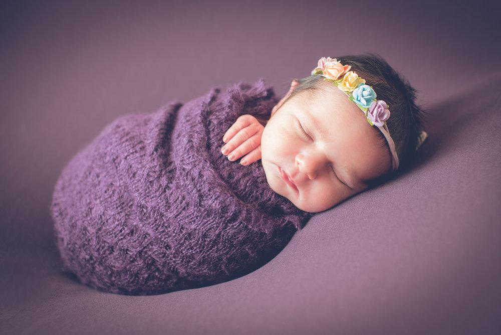 Newborn_AvaVictoria_5Days-15.jpg