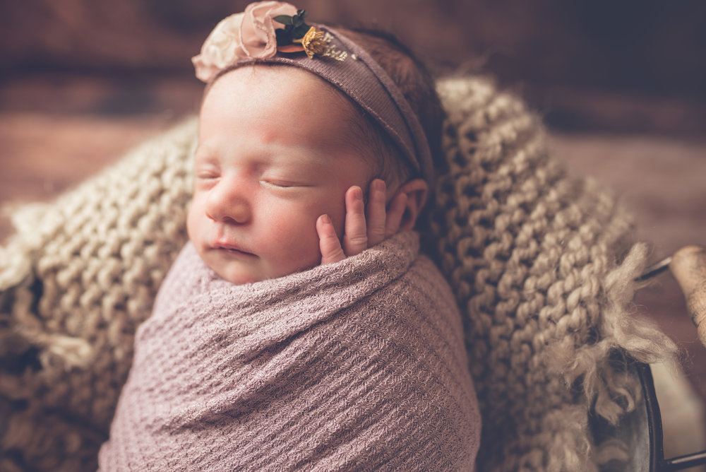 Newborn_Genevieve_20Days-10.jpg