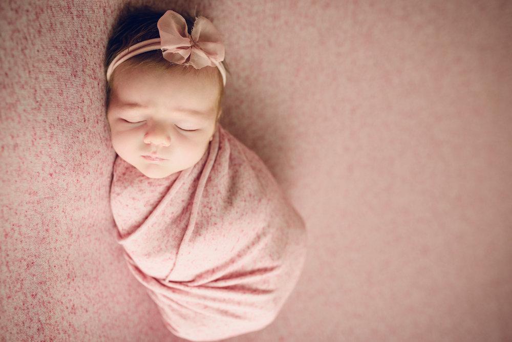 Newborn_Lucy_17Days-4.jpg