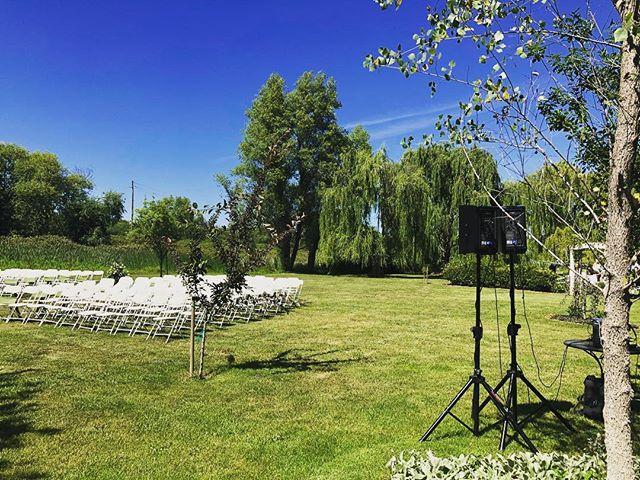Wedding Day at Willow House! . . . . . . #dj #weddingdj #redding #reddingca #norcal #reddingbridalshow #norcalwedding #willowhouse #weddingday