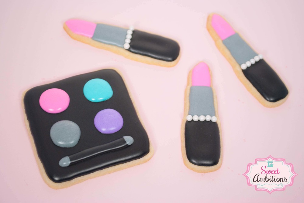 lipstick_eyeshadow_cookie.jpg