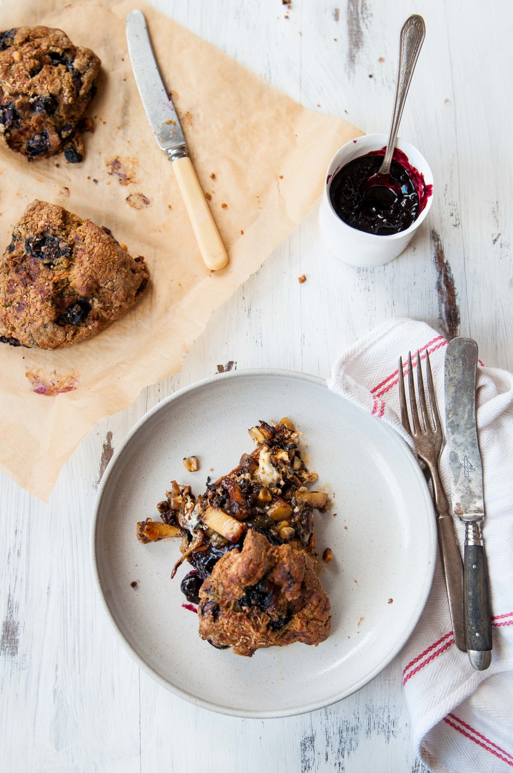 GLUTEN FREE BLUEBERRY SCONES + BLUEBERRY BALSAMIC SAUCE