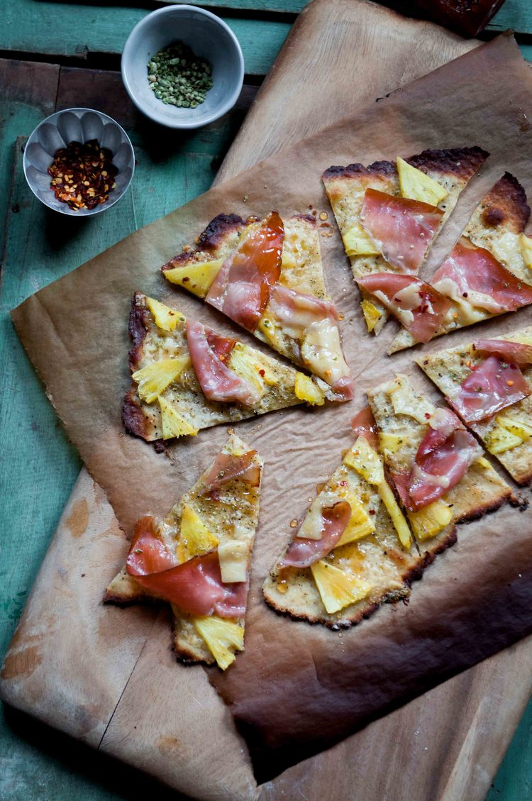 PINEAPPLE + HAM PIZZA {GF CRUST}