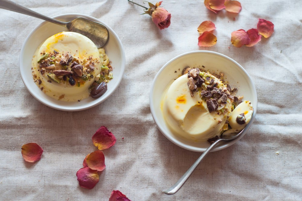 Saffron cheese pannacotta with crushed nuts and chocolate