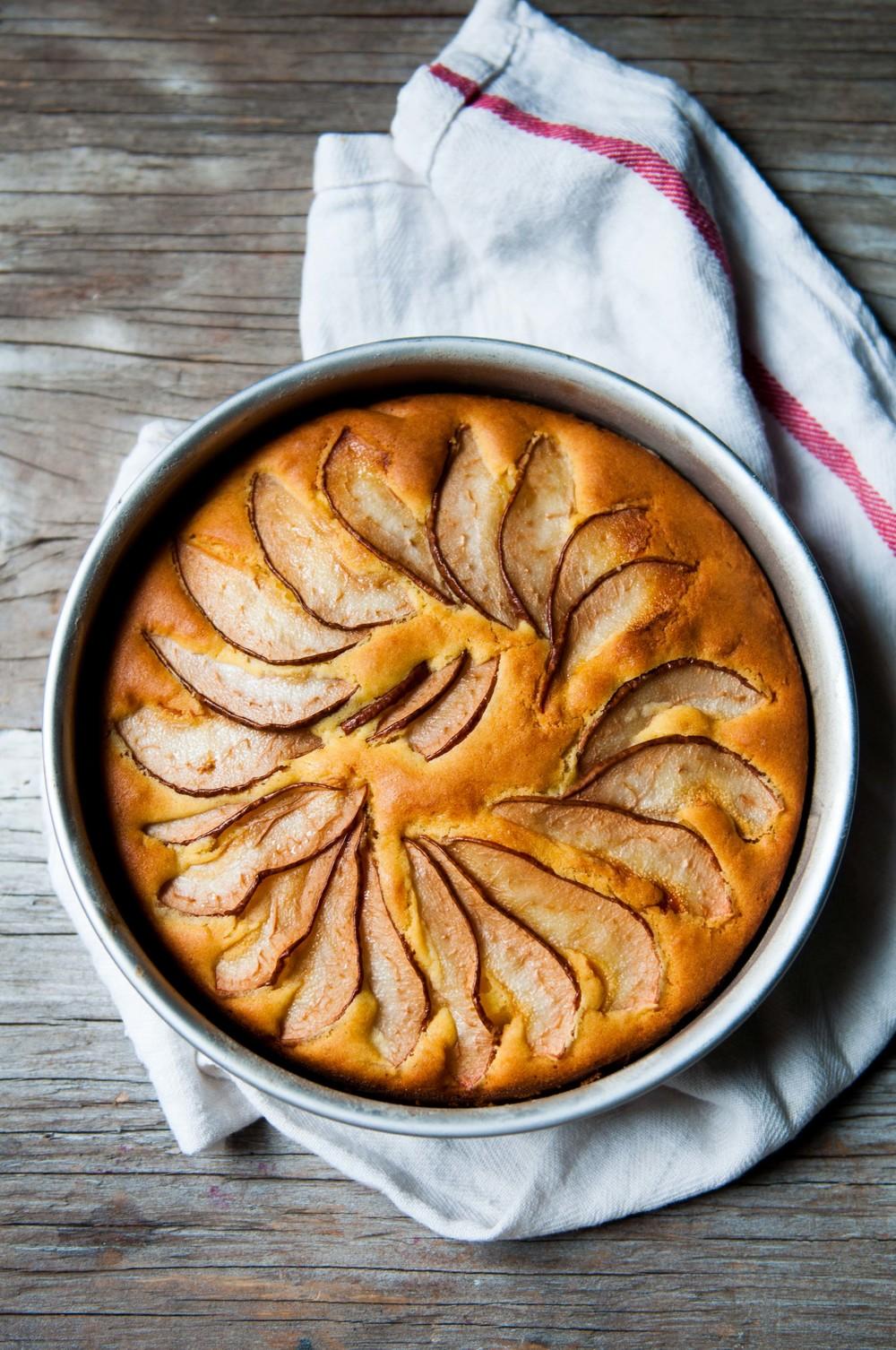 torta de pera (Italian Pear Cake)