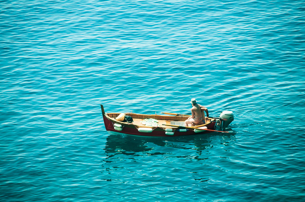 couple-boating-cinque-terre.jpg