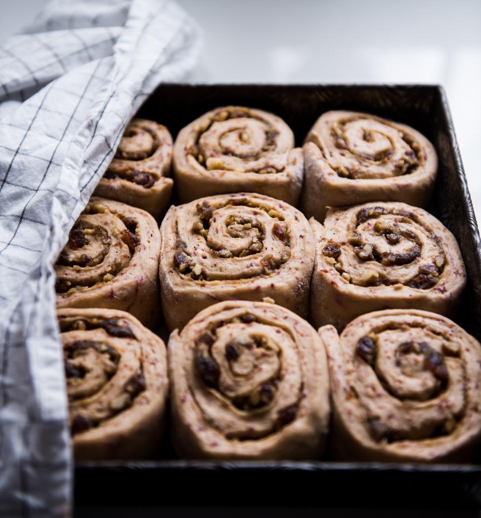 rolls-ready-for-oven.jpg