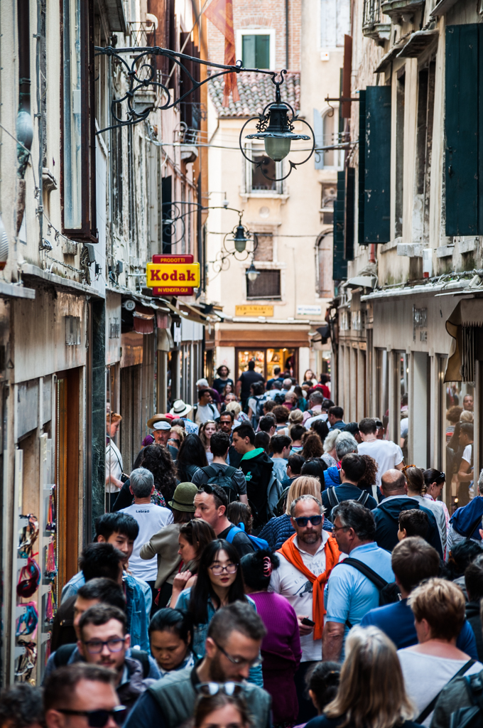 the-inescapable-crowds-venice.jpg