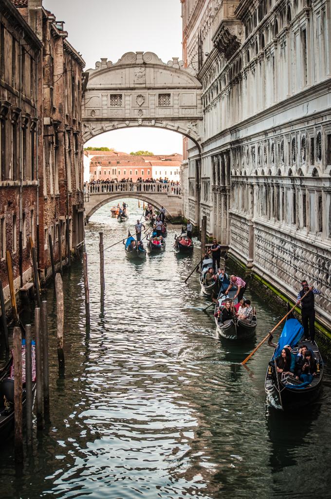 Gondola-traffic.jpg