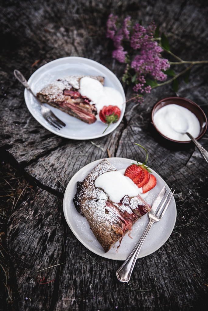 strawberry+rhubarb-galette-served2.jpg