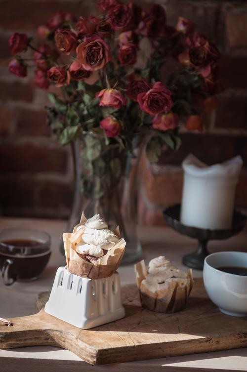 CHERRY CHOCOLATE CUPCAKES -
