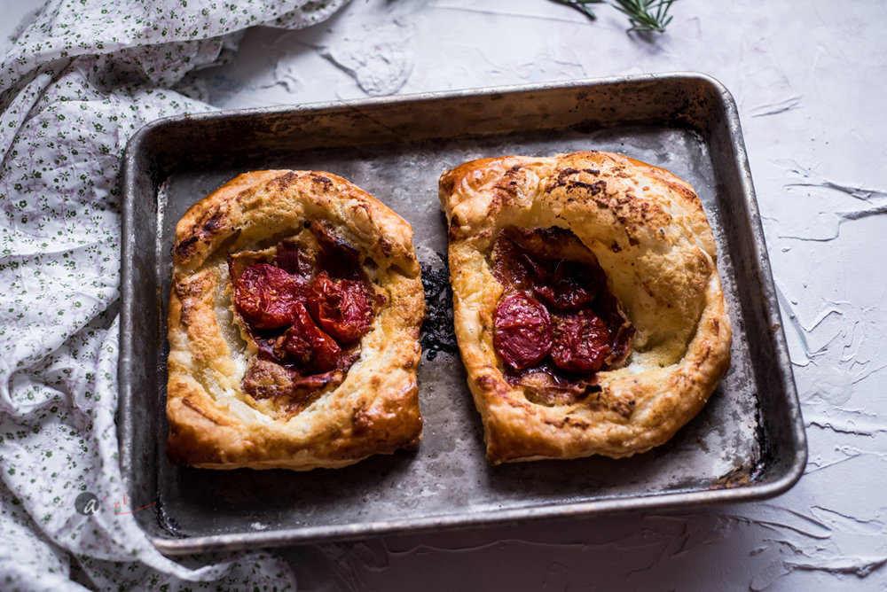 cheese-roast-tomato-pastry.jpg