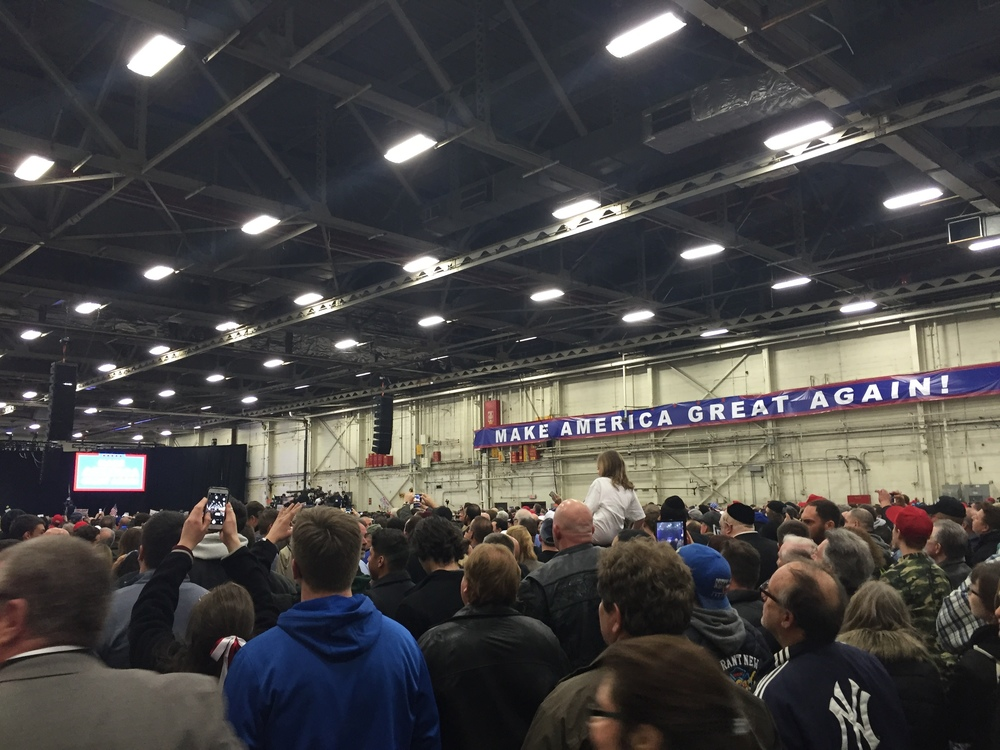 Crowds filling the Long Island Trump rally last week. Photo credit: Kate Bakhtiyarova