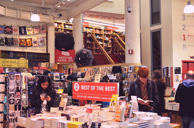 The STRAND BOOKSTORE. cOURTESY  OF cRAZY RED PEN BLOG