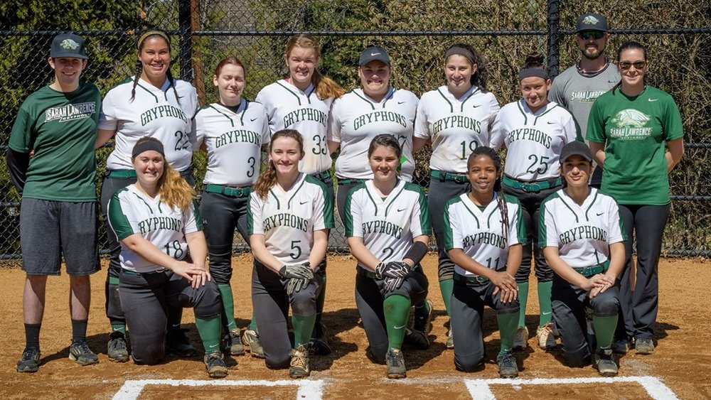 The 2017 Gryphons softball team. photo credit: Tony correa