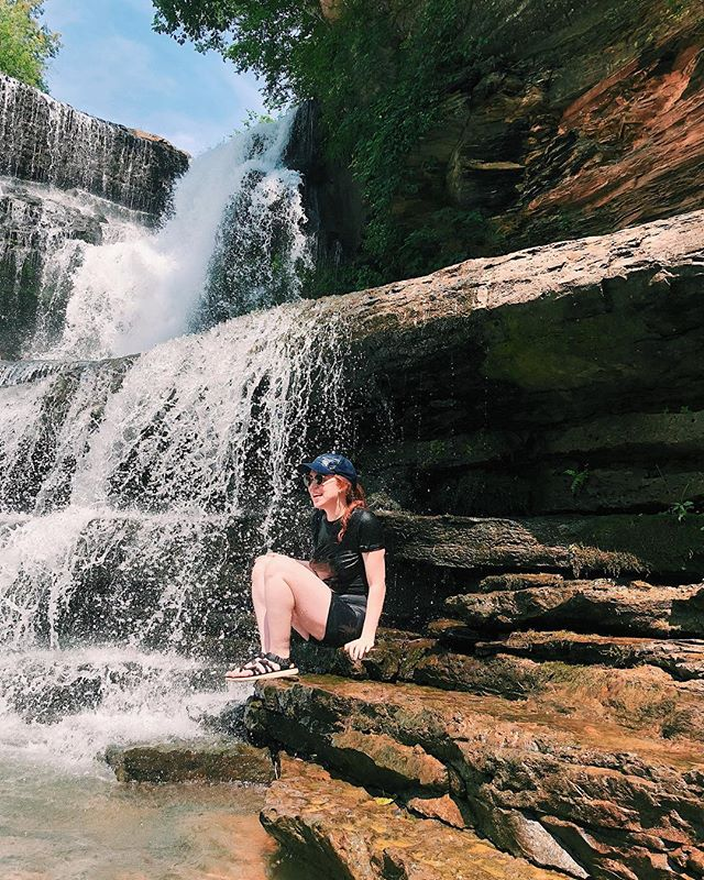 #doingthings then #fallingdown and #gettingbruised but #notears #💪 . . . . #waterfall #tennessee #cumminsfalls #summer #saturdays #nashville