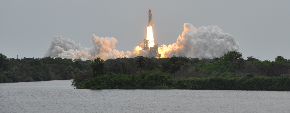 A spectacular panorama as Atlantis lifts off on STS-135 Credit: Joel Rosenstein