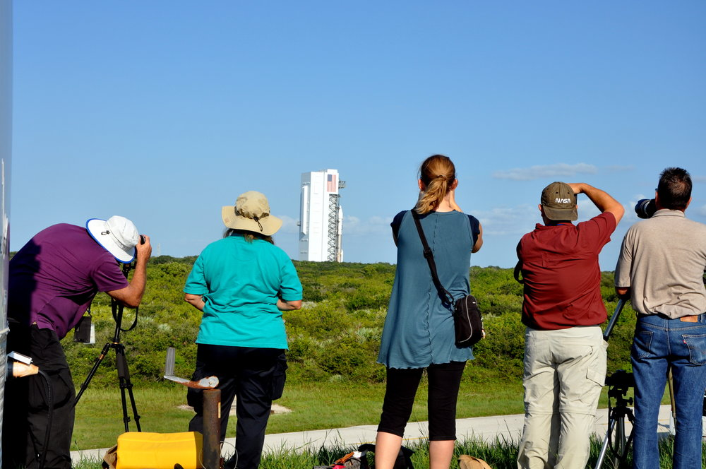 Media Viewing the Atlas V Rollout