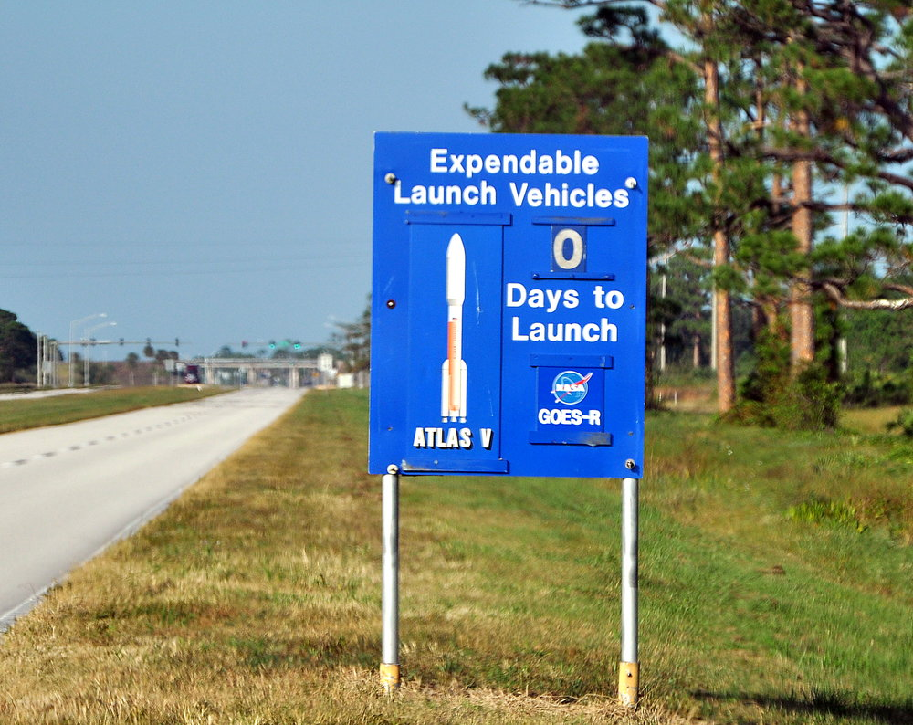 L-0 Sign at KSC