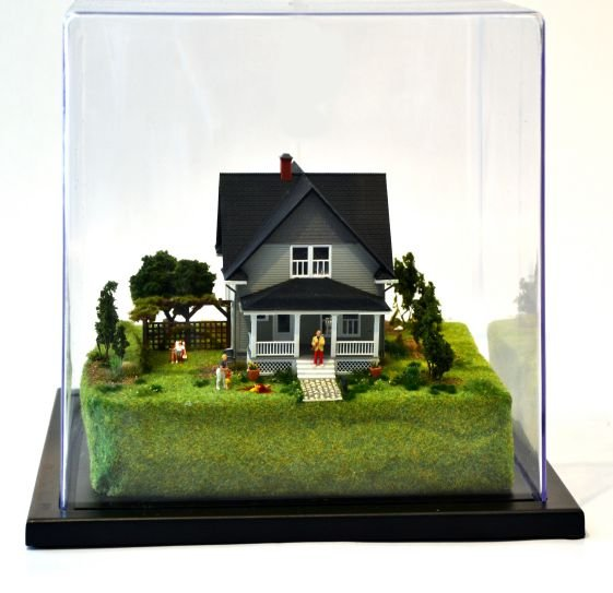 """At first glance,Abigail Goldman's dioramas are sweet. Look closer and you'll see why she has renamed them Die-oramas. After a career in forensics, she's found a way to create miniature worlds depicting some horrific crimes. But they can only seem SO horrific when they are so small and made with such innocent materials. As stated by her gallery,""""Mixing the charming with the grotesque, and exploiting the tension between the two, the new format tableau dieoramas are the collective anger, encapsulated in a place so dark, it becomes light again."""""""